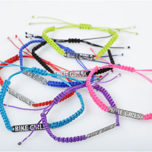 Pulsera Macrame Bike Girls en letra